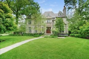 Glencoe, IL listed by Claire Sucsy