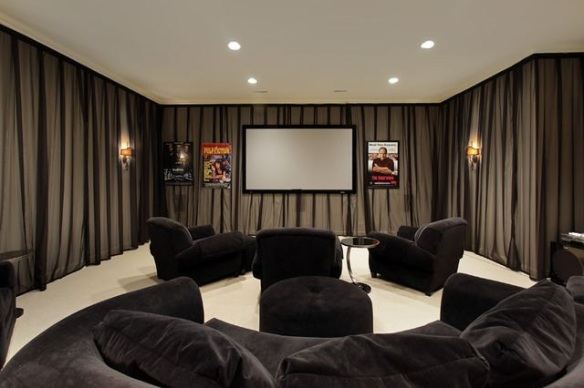 This Glencoe media room makes you want to grab some popcorn and settle in for a double feature. Listed by Jodi Handler Dickstein for $4.395M
