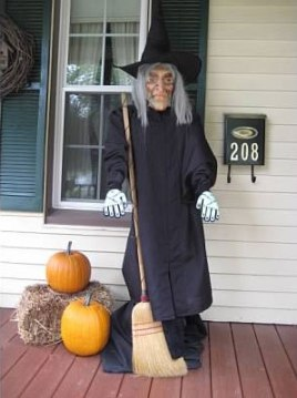 Scary Witch c/o Connie Eisenbise