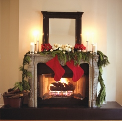 Homeowner Checklist for Holiday Staging Success